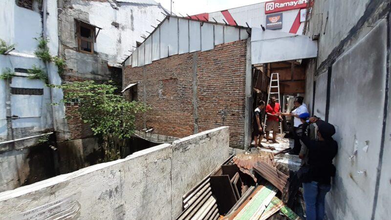 Akan Jadi Lorong Seni, Bangunan di Atas Saluran Jl. Perintis Kemerdekaan Kota Madiun Dibongkar