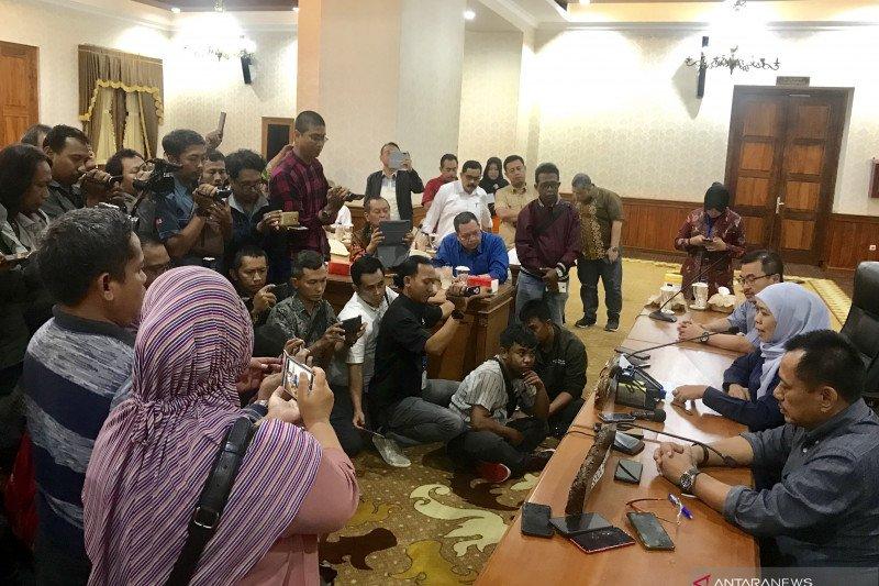Gubernur Jawa Timur Akhirnya Meliburkan Sekolah Selama Dua Pekan