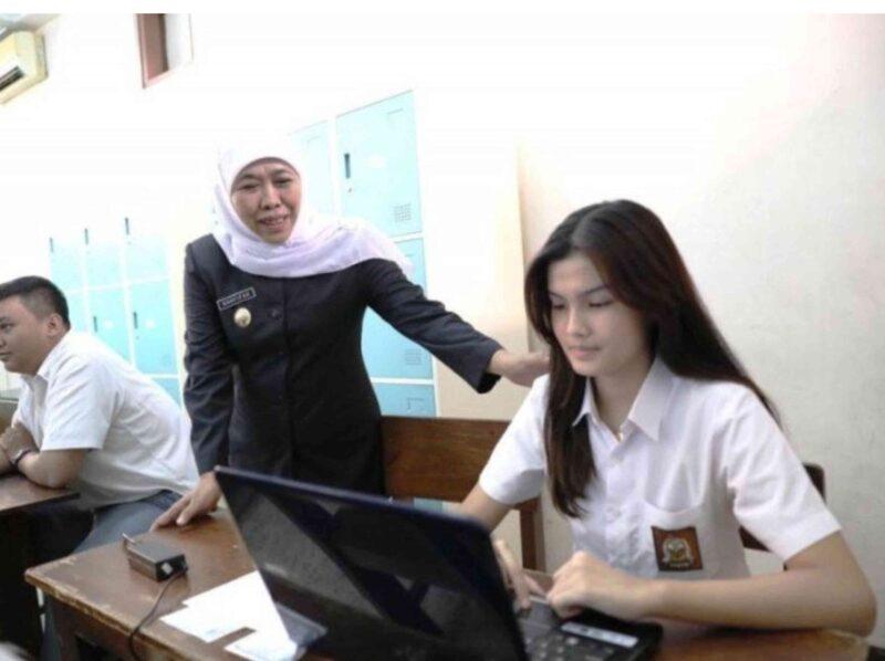 Dengan Tis-Tas, Gubernur Jawa Timur Tidak Mau Ada Anak Putus Sekolah