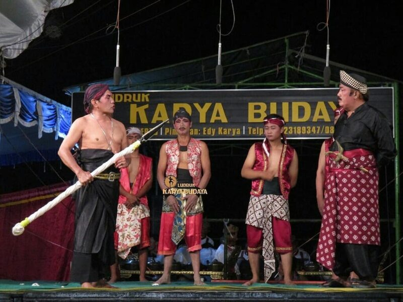 Mengenal Kesenian Ludruk, Salah Satu Budaya Jawa Timur yang Hampir Punah
