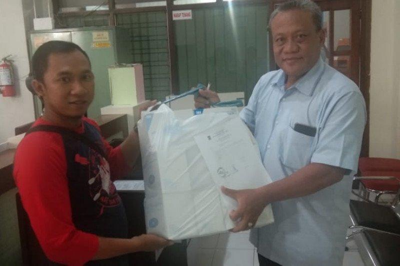 Tetapkan Status Darurat Corona, Dinkes Surabaya Bagikan Ribuan Boks Masker Ke Puskesmas