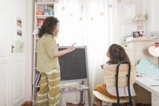 Belajar di rumah layaknya di sekolah (freepik)
