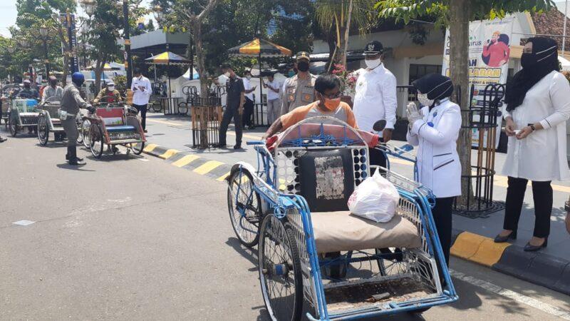 Cerita Pengayuh Becak Madiun Di Tengah Pandemi Corona