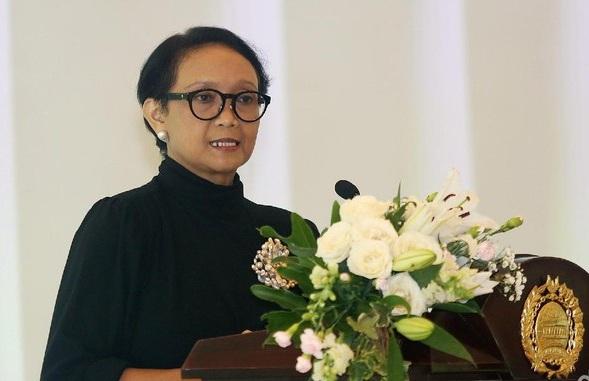 Menlu Minta Pemerintah China Klarifikasi Kasus Pelarungan ABK WNI
