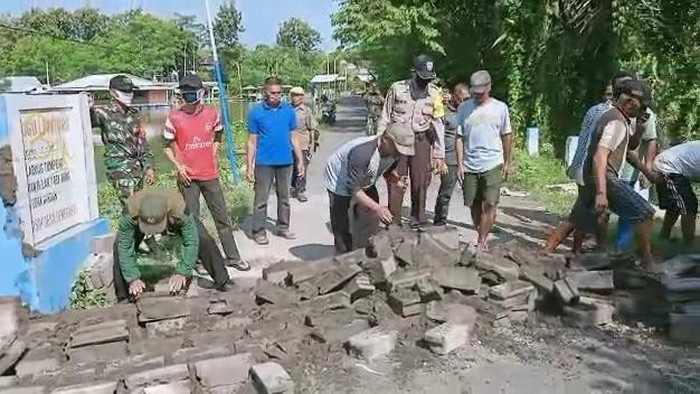Portal Tembok Yang Dibuat Warga di Malang Akhirnya Dibongkar