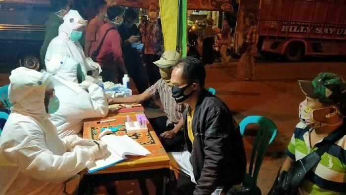 Hasil Rapid Test Ratusan Pedagang di Tuban, 3 orang Reaktif