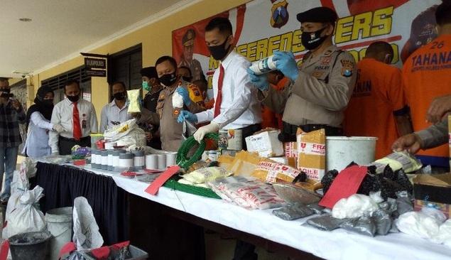 Penjual dan Pembuat Bubuk Petasan dari Magetan Ditangkap Polisi Ponorogo