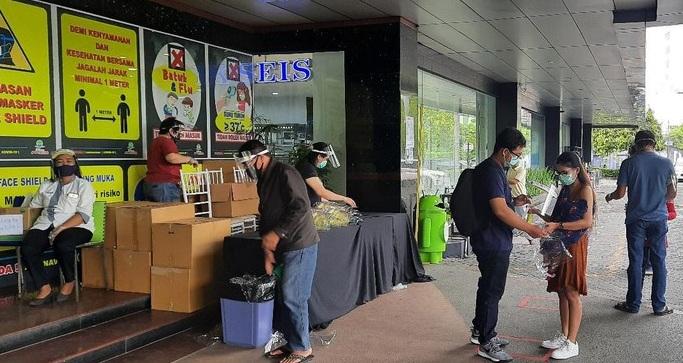 Cegah Penularan Corona, Masuk Plaza Marina Surabaya Wajib Pakai Face Shield