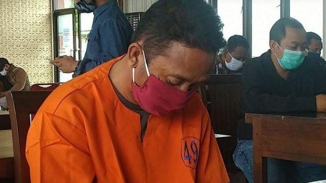 Mengaku Polisi, Tukang Las di Banyuwangi