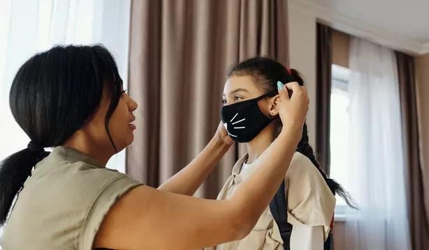 Bagaimana Cara Mencuci Masker Kain Yang Benar? Begini Saran Pakar Kesehatan