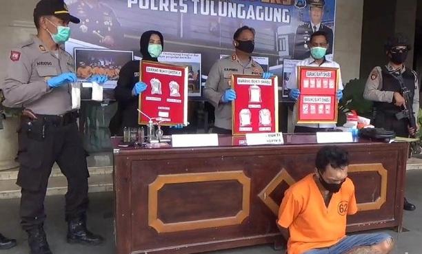 Berkeliaran Saat Jam Malam Covid-19, Bandar Narkoba Ditangkap di Tulungagung