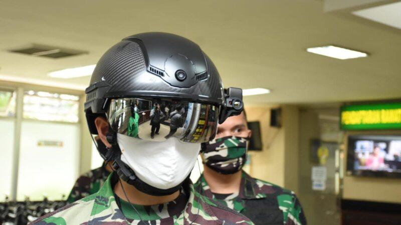 Wuih Canggih! Helm TNI Mampu Deteksi Suhu Tubuh Jarak 10 Meter