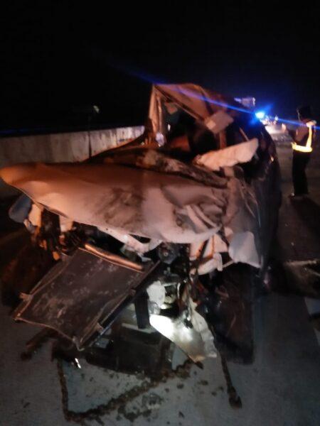 Mobil Xenia Rombongan Asal Jakarta Terguling di Tol Solo Ngawi, 8 Luka-Luka