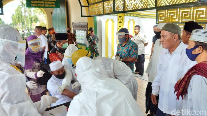 Takmir Masjid Jamik Bubarkan Rapid Test Yang Dipimpin Bupati Sumenep