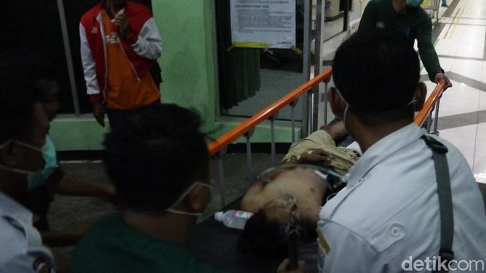 Berboncengan Empat, 2 Remaja Probolinggo Tewas Tertabrak Truk
