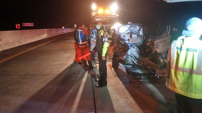 Avanza Rombongan Siswa SMKN 2 Turen Malang Kecelakaan di Tol, 4 Meninggal Dunia