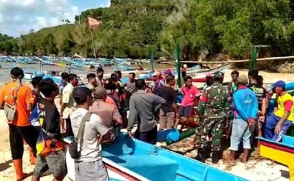 20 Jam Terombang-ambing di Laut, Nelayan Pacitan Selamat