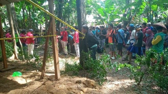 Mayat Wanita Tertutup Jerami di Ngawi Diduga Korban Pembunuhan