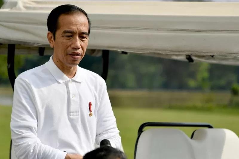 Jokowi Janjikan Insentif Kepada Perusahaan Pers Agar Bisa Bertahan