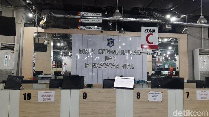 Dispendukcapil Surabaya Ditutup Lagi, Ada 3 ASN Positif Covid-19