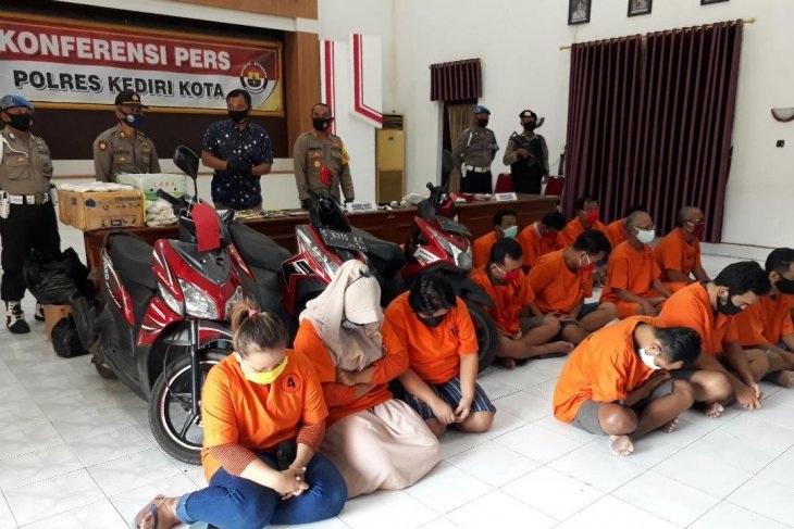 Polisi Kediri Tangkap 10 Tersangka Narkoba Dan Sita 14,23 Gram Sabu