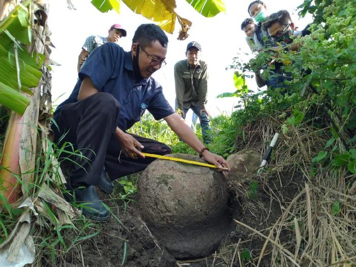 Stupa Buddha Ditemukan Petani Di Mojokerto, Diyakini Peninggalan Kerajaan Majapahit