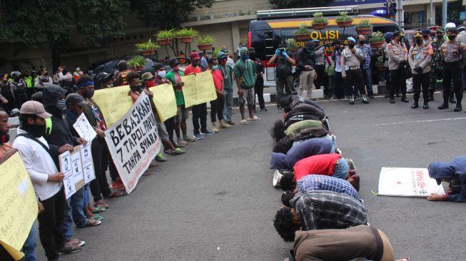 Unjuk Rasa di Kota Malang, Belasan Mahasiswa Papua Tuntut 7 Tahanan Politik Dibebaskan