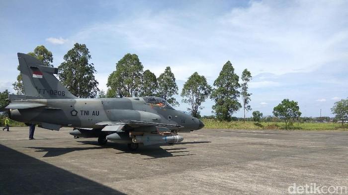 Pesawat Tempur Hawk 200 Jatuh di Riau, Nasib Pilot Belum Diketahui