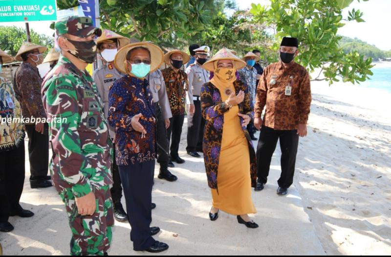 Pemkab Pacitan Buka Kembali Pantai Watu Karung pada 30 Juni 2020
