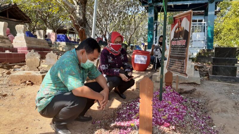 Jelang Peringatan 40 Hari, Makam Didi Kempot Ramai Dikunjungi Sobat Ambyar