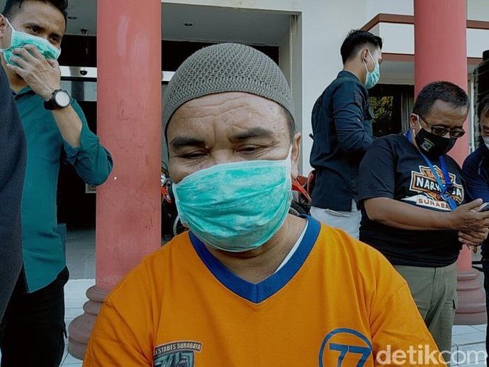 Ditangkap Saat Ngaji, Pengedar di Surabaya Simpan Sabu dalam Al-Qur'an