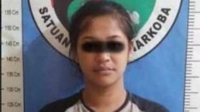 Ada Polisi, Wanita Penjual Sabu di Sumenep Ngumpet di Dapur