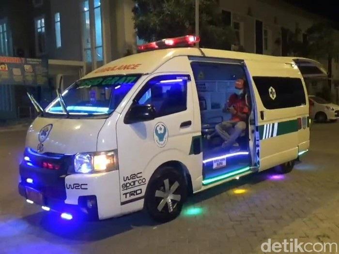 Unik, Ambulans di Pasuruan Dipenuhi Lampu Disko