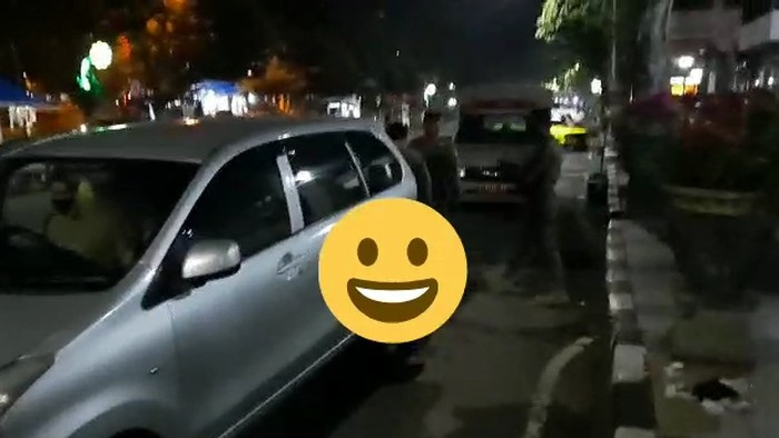 Viral Mobil Bergoyang di Depan Rumah Dinas Wabup Tuban