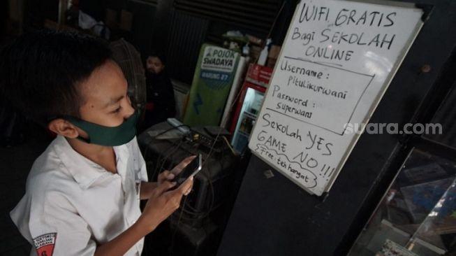 Joss Gandos! Warkop Ini Enggak Cuma Sediakan Wifi Gratis Buat Pelajar, Tapi Ini Juga
