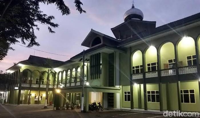 Positif Covid-19, 61 Orang di Ponpes Gontor Diisolasi