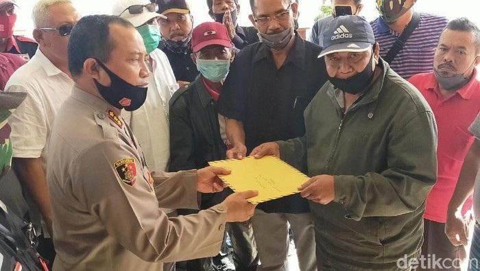 Puluhan LSM Banyuwangi Dukung Polisi Tangkap Pengeroyok Dokter