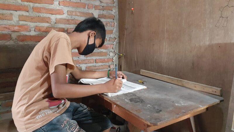 Orang Tua Siswa SD di Madiun yang Dilarang Nebeng Belajar Daring Minta Solusi dari Sekolah