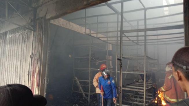 Karyawan Teledor, Toko Bangunan di Lamongan Ludes Dilalap Si Jago Merah