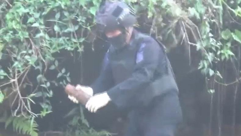Bom Peninggalan PD II Ditemukan di Tepi Sungai Nganjuk, Brimob Polda Jatim Didatangkan Untuk Evakuasi