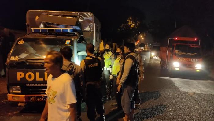 Rombongan Mobil Polisi Jember Alami Kecelakaan Beruntun Usai Antar Jenazah Covid-19
