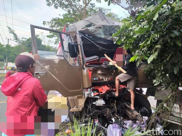 Jadi Penyebab Kecelakaan yang Tewaskan 5 Orang di Jember, Sopir Truk Fuso Ditahan