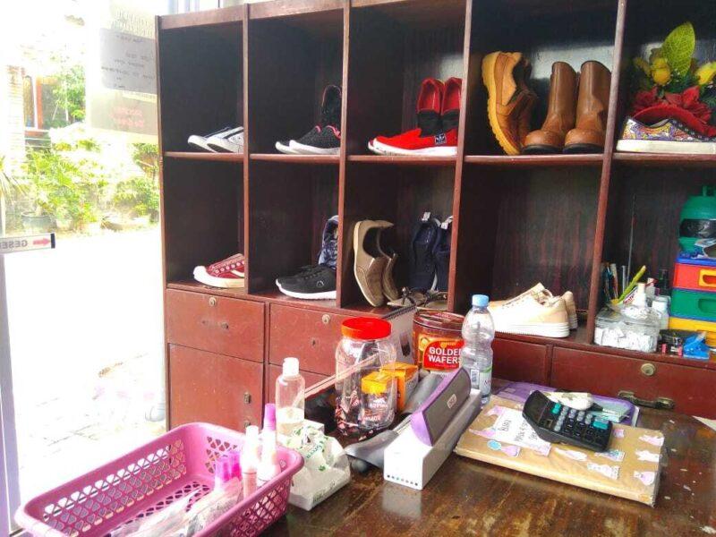 Dari Cuci Sepatu, Mahasiswi Madiun Ini Raup Omzet Rp1,5 juta/Bulan