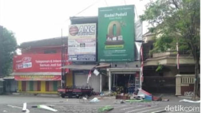 Pemilik Merokok, Terjadi Ledakan, Pangkalan Elpiji di Jember Nyaris Terbakar