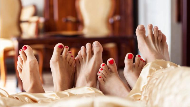 Pasutri di Surabaya Diciduk saat Beri Layanan Threesome