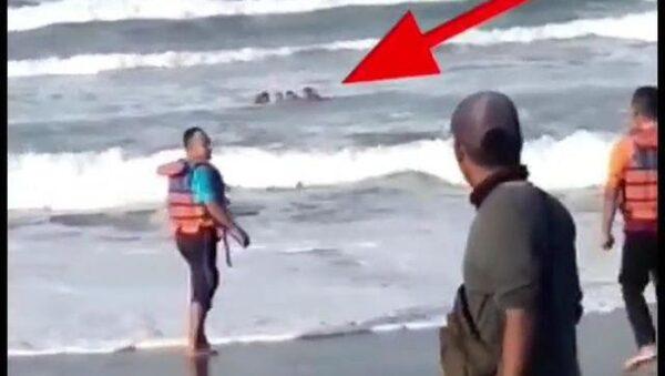 4 Wisatawan Asal Madiun Tergulung Ombak Pantai Parangtritis Yogyakarta, 1 Hilang