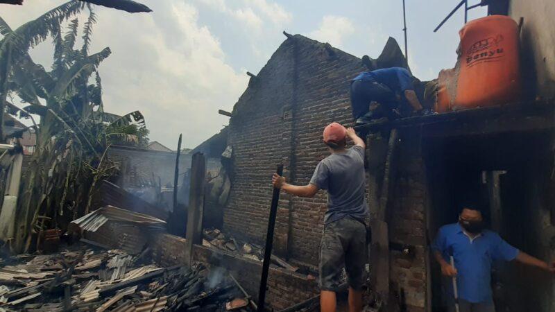 Gara-Gara Tungku Masak, 2 Rumah di Pagotan Madiun Nyaris Ludes Terbakar