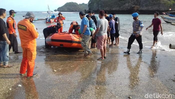 Tersapu Ombak Pantai Langitan Pacitan, 2 Pemancing Akhirnya Ditemukan Meninggal