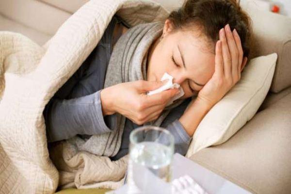 Jangan Panik! Berikut Ini Cara Bedakan Gejala Covid-19 dan Flu Biasa