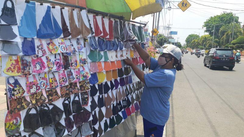 Keefektifan Masker Scuba Dipersoalkan, Pedagang Masker : Kenapa Baru Sekarang?